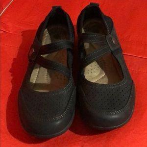 Earth Origins Black Mary Jane Shoes EUC